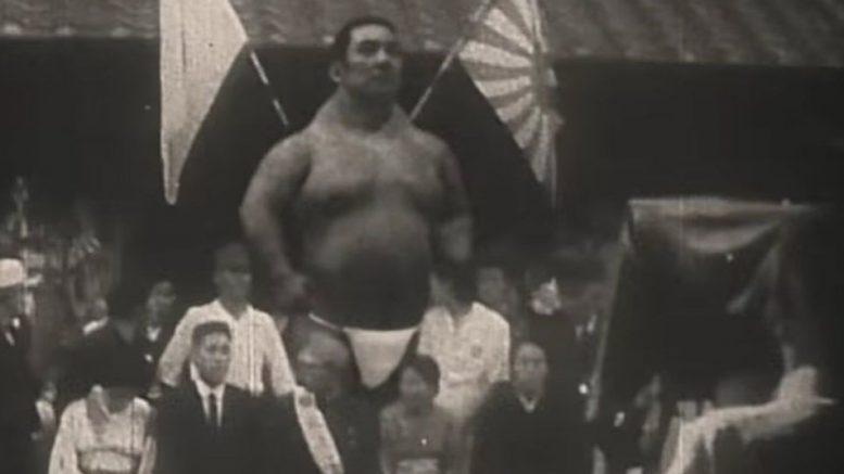 Невероятно! Настоящий великан! Кадры довоенной японской хроники