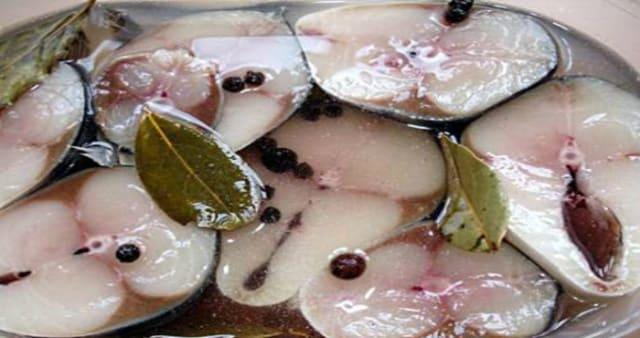 Новый рецепт маринованной скумбрии. Переплюнет красную рыбу!