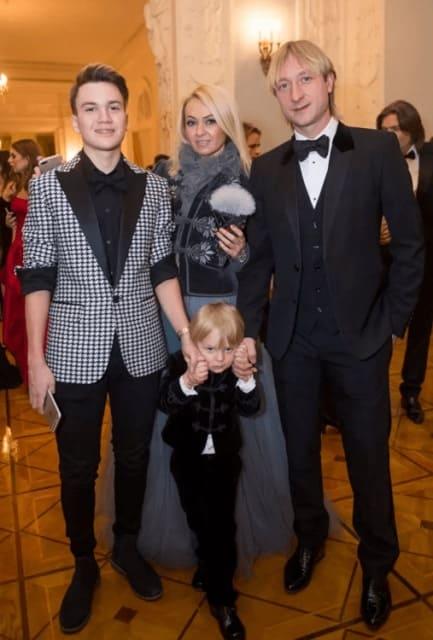 Евгений Плющенко и сыновья Яны Рудковской