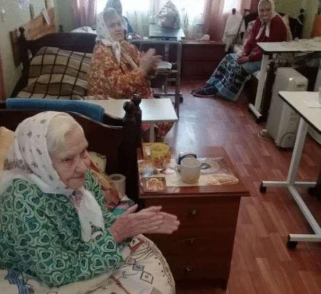 Сын сдал мать в дом престарелых. Ее прощальные слова он будет помнить всю жизнь