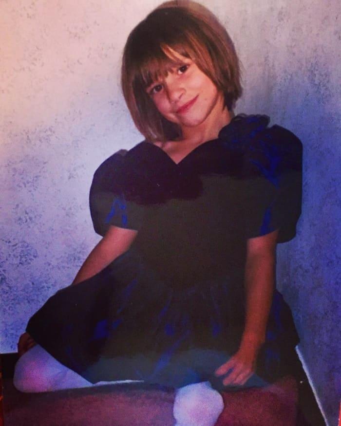 Когда Оксане исполнилось 9 лет, её мама решила ампутировать ей ноги. Но через 15 лет девушка совершила невозможное!