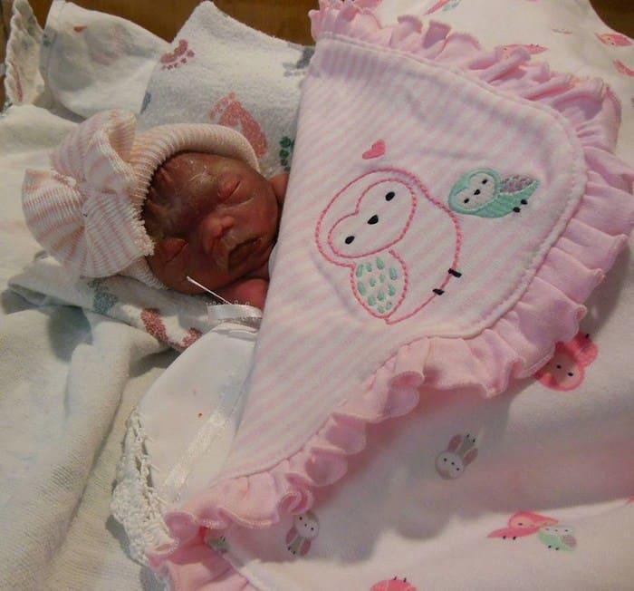 Молодая мама выбросила свою новорожденную дочь из окна-4