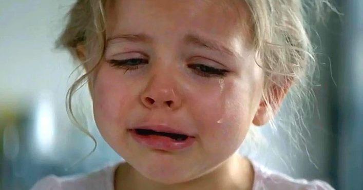 «Лупи ее сынок, а то вырастет как и ее мать», — орала свекровь. Внучка плакала, не узнавая отца…