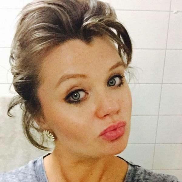 27-летняя девушка думала, что ждёт ребёнка. Но то, что она «родила» в туалете, ошарашило всех!