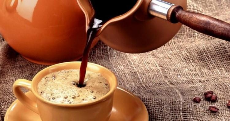 Поместите эти 2 ингредиента в утренний кофе! Ваш жир с живота исчезнет, а ваш метаболизм будет быстрее, чем когда-либо!