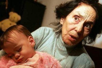 «Прошло 14 лет»: как сегодня выглядит девочка, которая родилась у 66-летней мамы