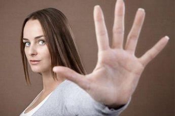 Жесты пальцами, которые помогут привлечь удачу и защититься от врагов