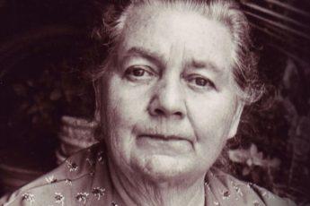 Йоханна Будвиг: «Я открыла это лекарство 60 лет назад! Возьми творог, несколько ложек…»