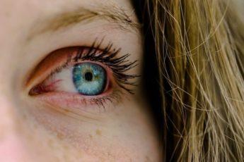 О каких болезнях человека можно узнать, посмотрев ему в глаза