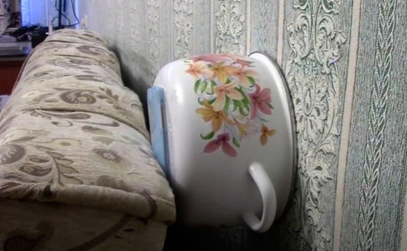 Привезла с деревни бабушку домой, а там соседи всю ночь шумели. Под утро проучила так, что даже бабушка удивилась